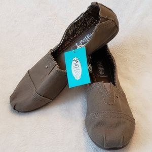 Mad Love | Canvas Slip Ons | NWT